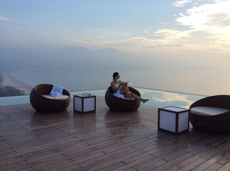 khách sạn Đà Nẵng có bể bơi a la carte