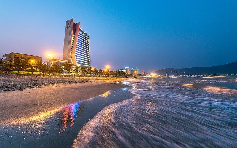 khách sạn Đà Nẵng gần biển Grand tourane