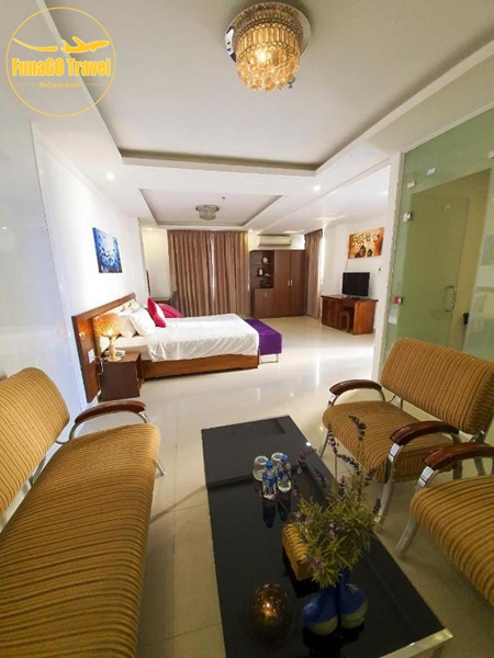 Khách sạn Suite De Ville Da Nang Beach